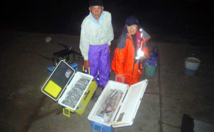 【玄界灘】夜焚きイカ最新情報 パラソル交じり3ケタ釣果にリレー船も人気