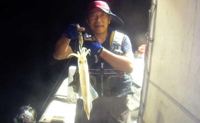 【玄界灘】夜焚きイカ最新釣果 胴つき仕掛けで『160尾オーバー』も