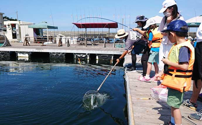 家族で海上釣り堀を満喫 4kgカンパチ浮上【神奈川・J'sフィッシング】