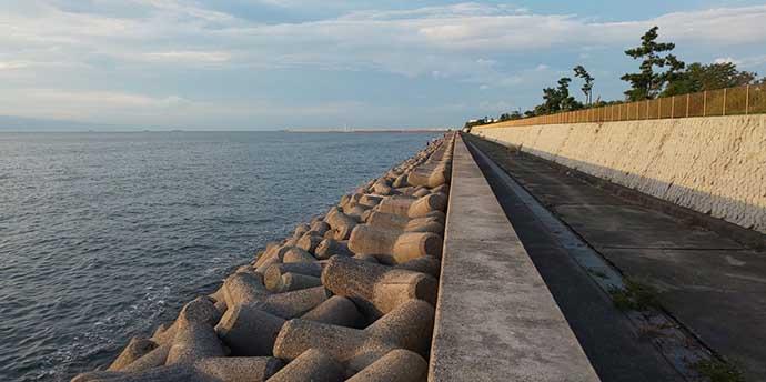 大阪湾の波止タチウオが早めの開幕 ワインドで3匹手中【貝塚人工島】
