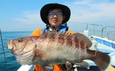 御前崎沖で『バチコン五目』 大型イサキに3kg級マハタ【第15増福丸】
