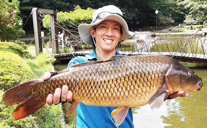 『パンコイ』釣りで73cm大物手中 「沈みパン」がキモ?【野山北公園】