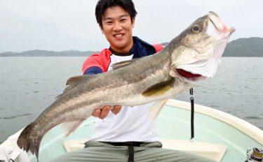 欲張りボートゲームで70cm超シーバス&5kgヒラマサ手中【福岡・糸島】
