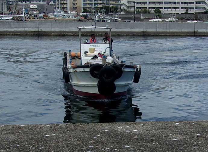 沖堤ノマセ釣りで57cmハマチ手中 秋のシーズン開幕【須磨一文字】
