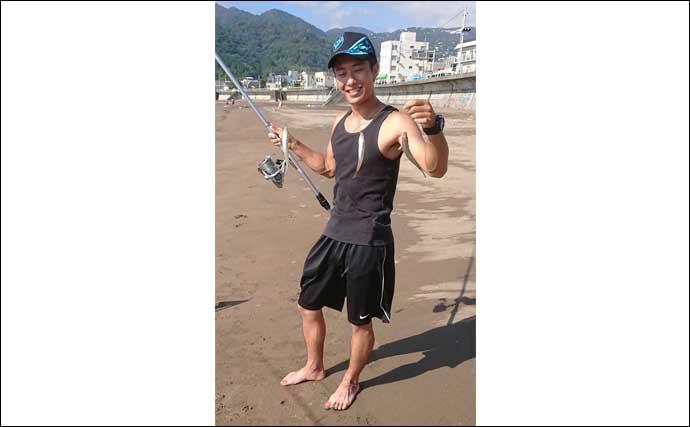 究極の納涼フィッシング『泳ぎ釣り』満喫 ヒット丸見えに興奮【静岡】