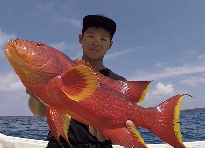 沖縄生まれのシンプルルアー『オモック』 釣れなさそうなのに釣れる?