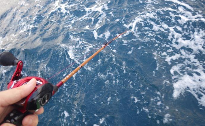大原沖『カットウフグ釣り』好調 遊動式仕掛けで本命21匹【孝栄丸】
