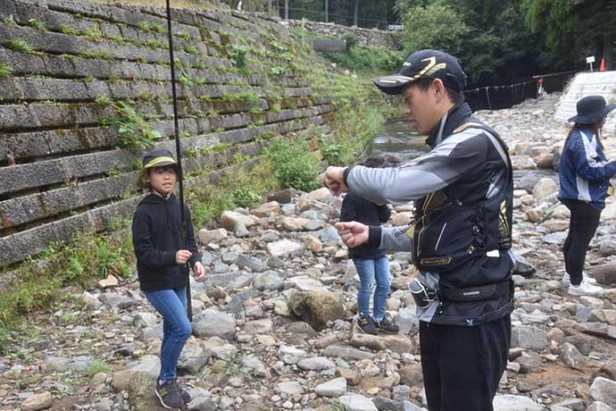 管理釣り場で『秋アマゴ』釣り 家族でBBQも満喫【日名倉養魚場】