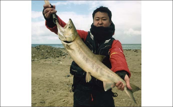 サケ有効利用調査釣行で10匹手中 スプーンに切り身が奏功【富山・小川】