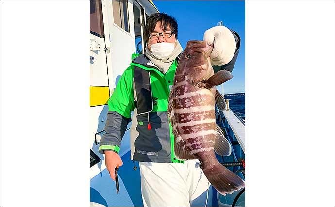 泳がせ釣りで良型『マハタ』乱舞 2kg級頭に6尾手中【千葉・春日丸】