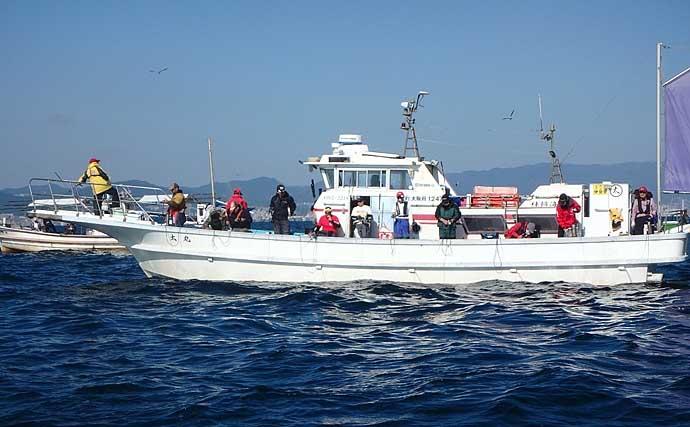 大阪湾テンヤタチウオで124cmドラゴン浮上 竿頭は41匹【神戸沖】