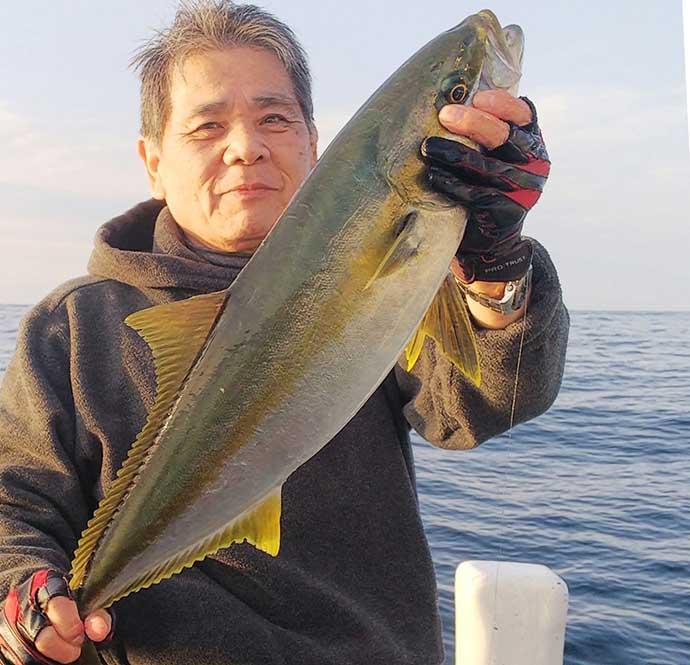 『テンビンフカセ』釣りで青物&食べごろマダイ全員安打【平井丸】