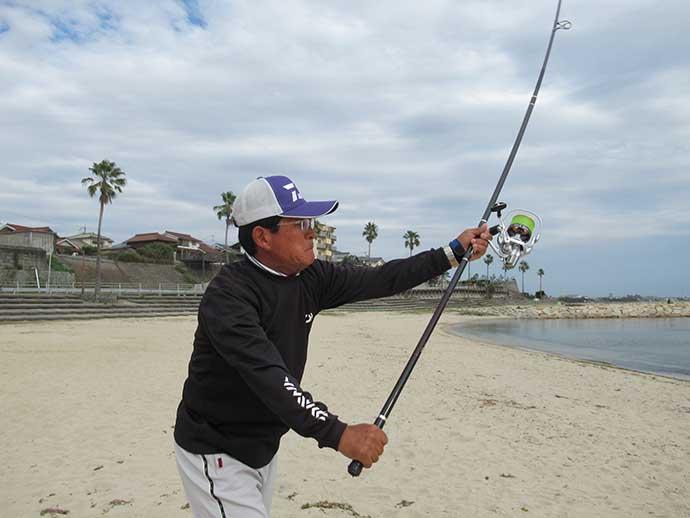 投げ釣りで『遠投100m』の壁を突破しよう:基本のオーバースロー編