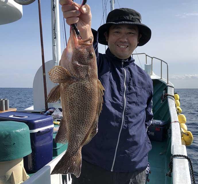 ノマセ&テンビンのリレー釣行でハタ&メイチダイ手中【和歌山・大成丸】