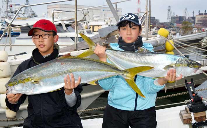 【響灘】落とし込み釣り最新釣果 大型青物&高級根魚など続々顔出し