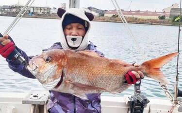 【響灘】落とし込み釣り最新釣果 新年を祝う5kg級『大ダイ』浮上
