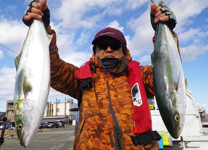 泳がせ釣りで『ブリ族』ツ抜け達成 船中ヒラメも登場【愛知・昭徳丸】