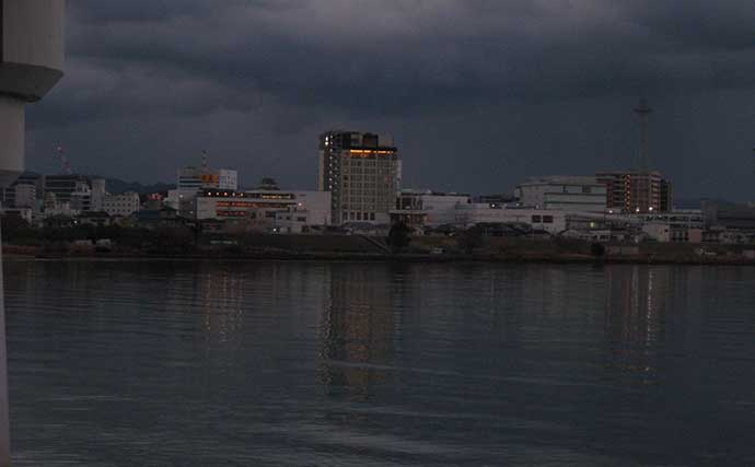 夜の陸っぱりハゼ釣りが意外な高活性 本命11匹手中【和歌山・紀ノ川】