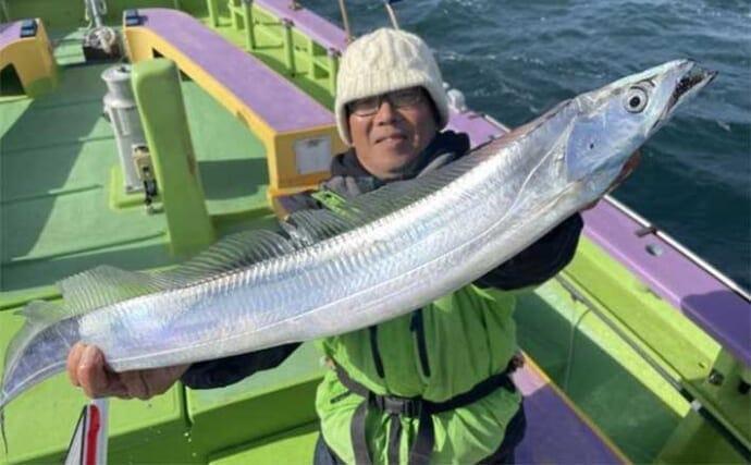 週末ナニ釣れた?沖釣り速報:東京湾冬の良型タチウオが狙い目【関東】