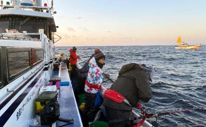 深場釣りで48cm頭にアカムツ4尾 オマツリ&サバ回避術とは?【隆正丸】