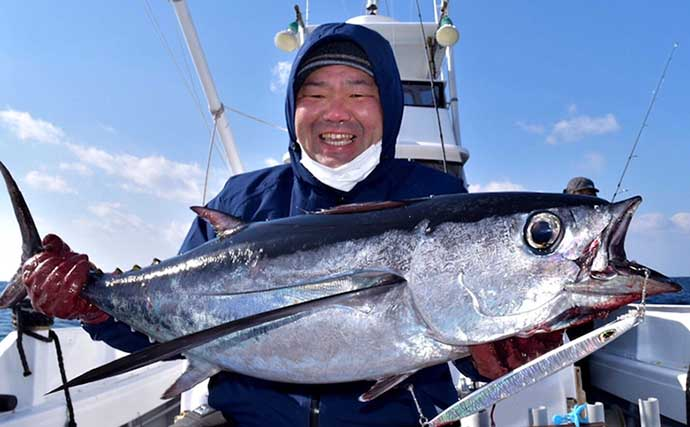 【三重】沖釣り最新釣果 ジギングで「ビンチョウマグロ」船中2匹浮上