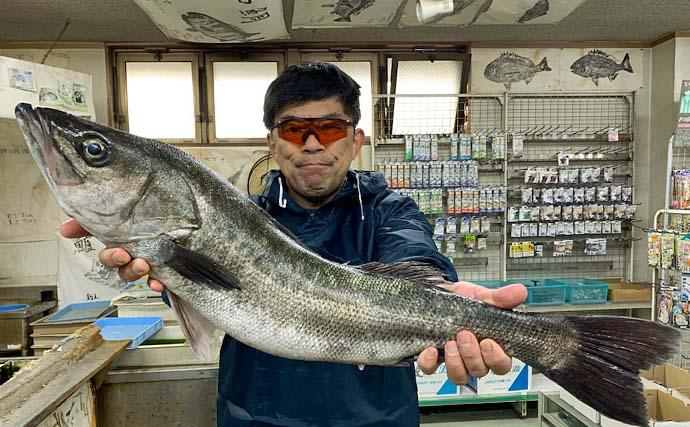 『エビ撒き釣り』で74cm筆頭に「スズキ」連打【愛知・大野漁港】