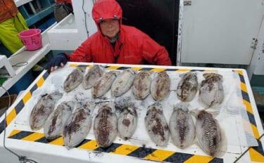 【愛知】沖のルアー最新釣果 「コウイカエギング」絶好調で船中60匹
