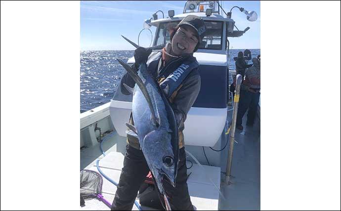 志摩沖『トンボジギング』で25kg級頭に船中2ケタと好調継続【魚勘丸】