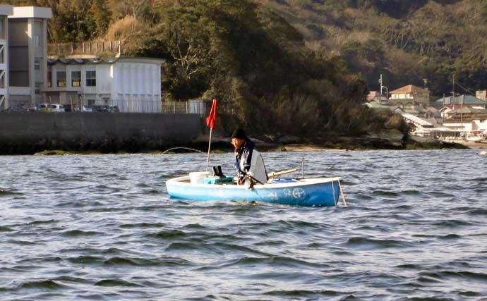 東京湾の手こぎボート釣りで28cm頭にアジ18尾【神奈川・斉田ボート店】