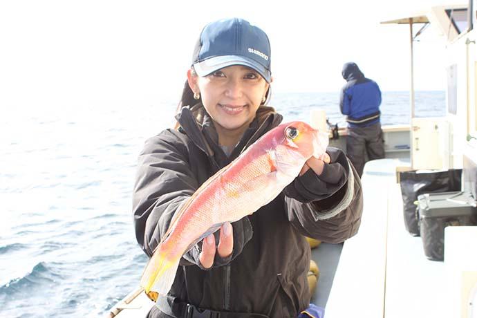 アマダイ釣りで本命手中 自作仕掛けにヒットで喜び倍増【まごうの丸】
