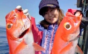 人生初のキンメダイ釣りに挑戦 良型本命4尾手中に大満足【新島沖】