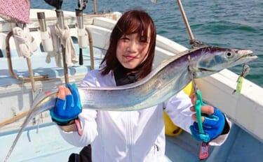 博多湾『ライトテンヤタチウオ』釣りで指6本級頭に17尾【SEASON】