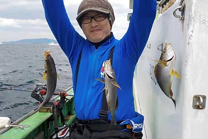 子供の船釣りデビューに好適 コマセ釣りでイサキ100匹超え【庄幸丸】