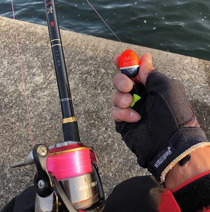 沖堤防で乗っ込みチヌ狙いフカセ釣り 誘いハマり40cm手中【神戸】