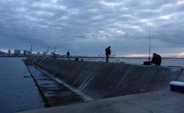 今さら聞けない「沖波止・沖堤防」釣りの基本:大阪湾のおすすめ波止3選