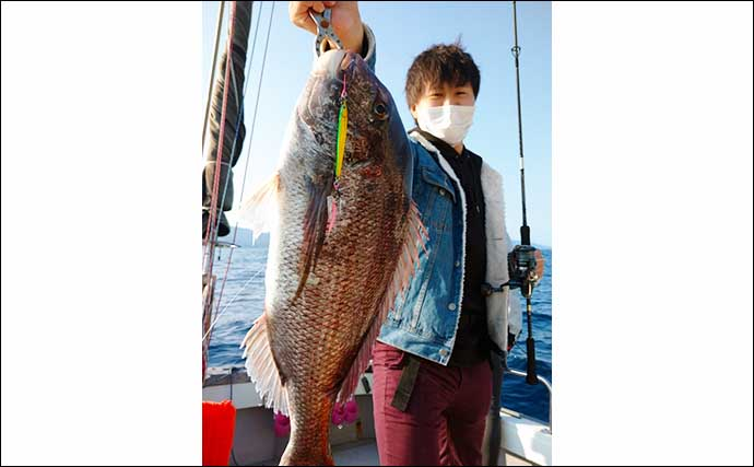 【福井】沖釣り最新釣果 イカメタルでパラソル級交じり良型マイカ連発