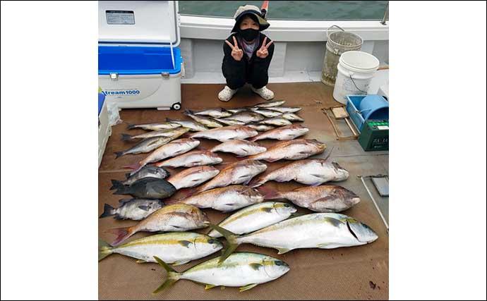 【福井】沖釣り最新釣果 半夜便のマイカが絶好調で胴長45cmの大剣も