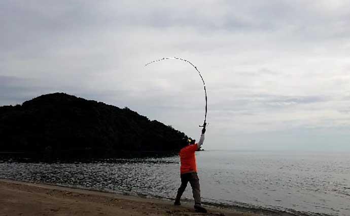 サーフ投げキス釣りで21cm頭に80匹 空撮画像でポイントを解説【福井】