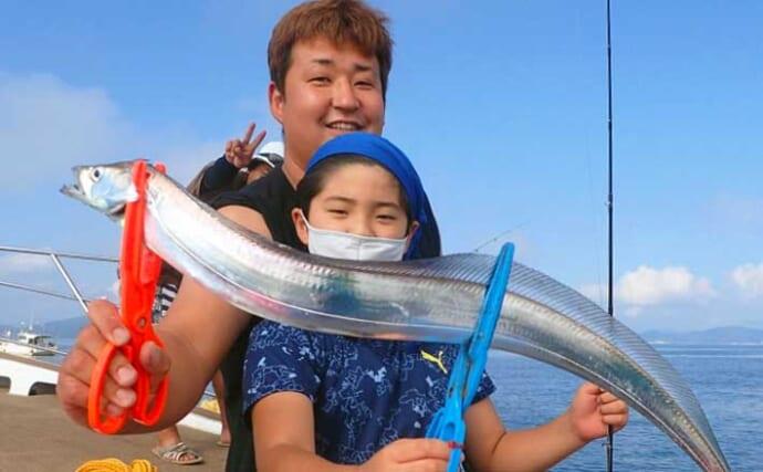 【福岡】沖のエサ釣り最新釣果 ファミリフィッシングで良型タチウオ好捕