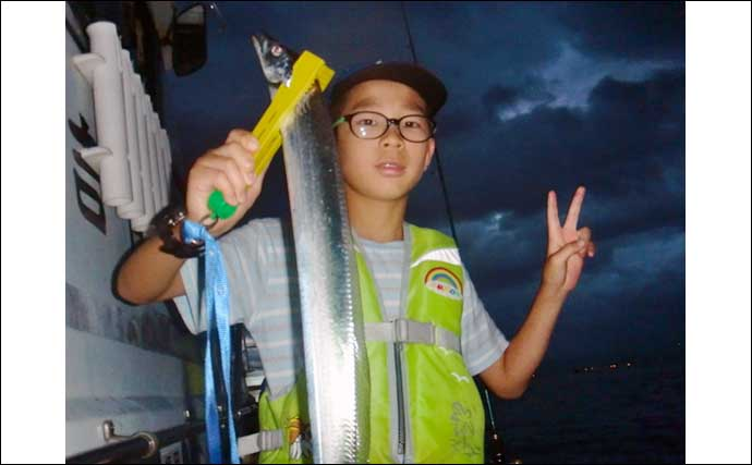 【福岡】沖のエサ釣り最新釣果 近場タチウオは指4〜5本級でサイズ安定