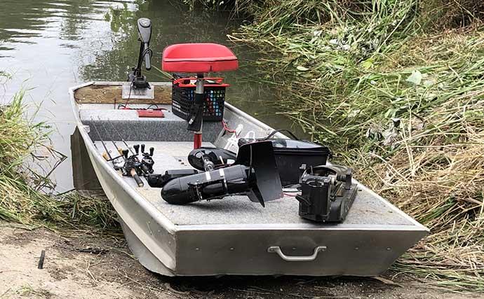 河川でのボートバス釣りで本命と対面 クランクベイトにヒット【愛知】