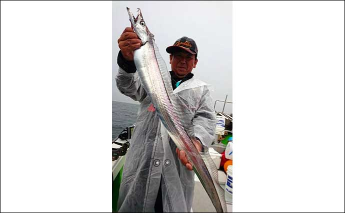 【大分・熊本】沖釣り最新釣果 夜焚きケンサキイカは釣る人100尾超え