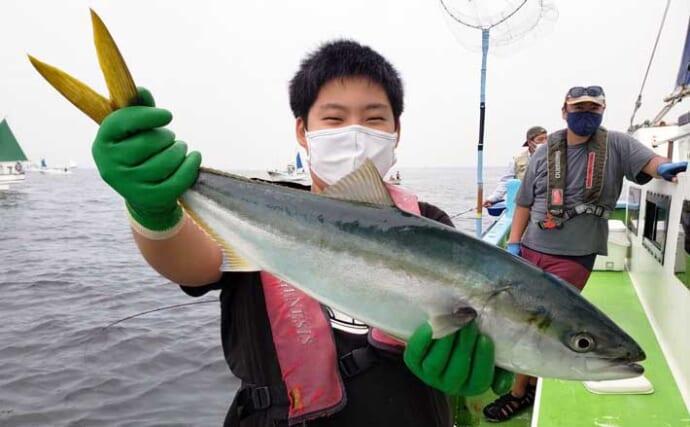 ワラサ釣りシーズン突入 釣果の秘訣はチームワーク?【2021内房】