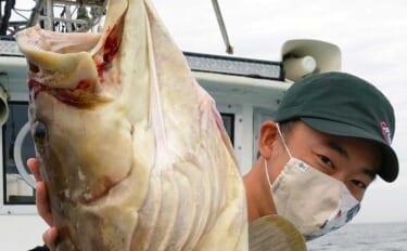 活きイカエサで高級魚「アラ(クエ)」釣り 13kg頭に本命2尾キャッチ