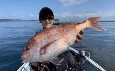 カセ釣りで60cmマダイキャッチに歓喜 好ゲストには秋が旬のヘダイ